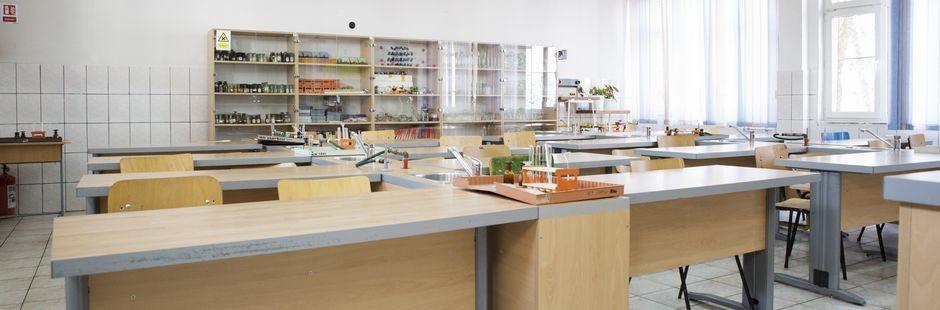 Liceul Dante Laborator chimie